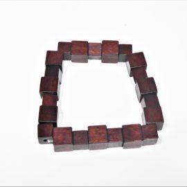 Bracelet en bois cube